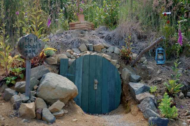 Hobbit Hole at Hairy Hobbit Eco Cottage