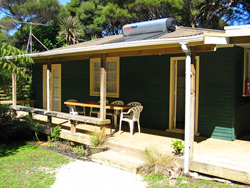 Cottage accommodation Aroha Island