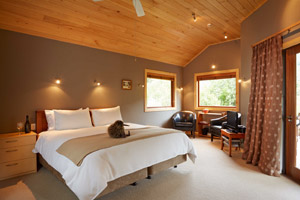 The Resurgence Luxury Eco Lodge - Bush Chalet Bedroom