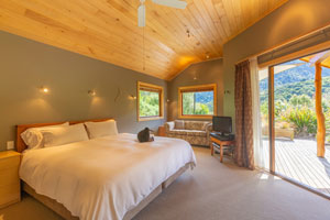 The Resurgence Luxury Eco Lodge - Bush Chalet interior